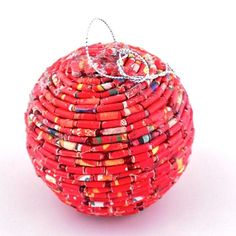 Holiday Ideas, Christmas Ideas, Christmas Crafts, Christmas Decorations, Holiday Decor, Recycled Crafts, Recycled Materials, Diy Crafts, Green Christmas