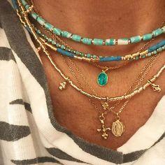 Aujourd'hui c'était un jour turquoise .. histoire d'avoir bonne mine😊 ( tous les colliers de cette photo sont en vente sur le site et oui je turquoise donne bonne mine ) #bijoux #collier #necklace #jamaisassez #turquoise #medaille #jewels #jewelry #lujparis #lujbijoux #instaluj #instagold #instadaily #instajewelry #instajewel www.lujparis.com worldwide shipping