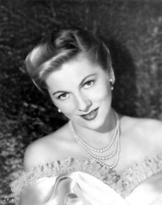 6c387ad81b6 Joan Fontaine and Olivia DeHavilland were sisters...They rarely spoke.