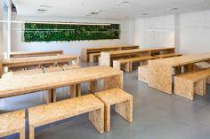 Voorbeeld geperst houten meubels