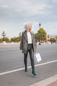 I'm talking jewel toned boots, double breasted jackets, leather trousers, crisp white tees and studded bags. Find out my favourite high street and high end pieces for every trend I'm loving this Fall!