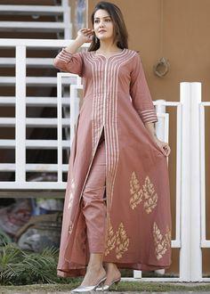 Printed Kurti Designs, Kurti Neck Designs, Neck Designs For Suits, Designs For Dresses, Pakistani Dresses Casual, Pakistani Dress Design, Designer Kurtis, Designer Dresses, Simple Dresses