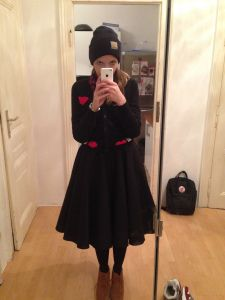 Outfit: Petticoat, Vintage Skirt, Cardigan von modcloth, swanlake, Carhatt Vintage Skirt, Modcloth, Goth, Skirts, Outfits, Style, Fashion, Swans, Blouse