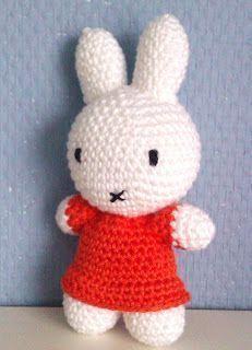 Diy Crochet Amigurumi, Crochet Baby Toys, Amigurumi Doll, Crochet Animals, Crochet Dolls, Love Crochet, Crochet For Kids, Easy Crochet, Easter Crochet Patterns