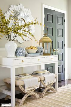 Foyer Table Decor, Fall Entryway Decor, Entryway Console Table, Foyer Decorating, Fall Decorating, Hallway Ideas, Entrance Ideas, Branches, Hampton Style