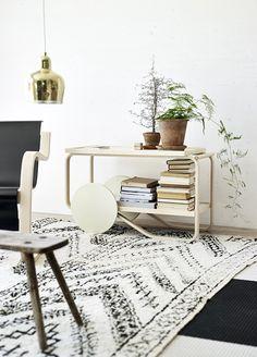 In 2015 Designer Hella Jongerius reimagined Alvar Aalto's iconic 901 Tea Trolley for Artek.
