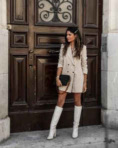Spring Outfits Women, Spring Fashion Outfits, Autumn Fashion, Beige Knee High Boots, Beige Boots, Blazer Beige, Blazer Dress, Dress With Boots, Looks Style