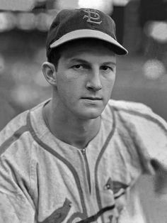 1946: Stan Musial, 1B, St. Louis Cardinals : Sporting News MLB Players of the Year, 1936-2016
