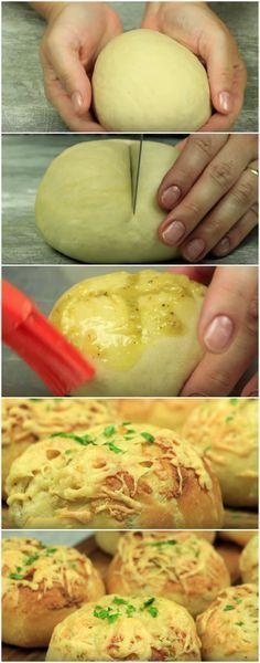 O melhor Pãozinho de Alho que já comi na vida! Depois que aprendi essa receita eu nunca mais quis saber de outra! #pão #pãodealho #pãozinho #pãozinhodealho