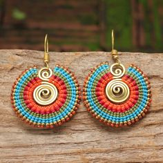 Tribal circle earrings with brass highlights in tones of orange and blue - JEWELRY Macrame Earrings, Tribal Earrings, Macrame Jewelry, Circle Earrings, Wire Jewelry, Beaded Earrings, Jewelry Crafts, Crochet Earrings, Handmade Jewelry
