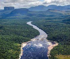 Excelente Domingo! Fotografía del Río Carrao. Roraima cortesía de @tepuyero  #LaCuadraU #GaleriaLCU #Roraima #Venezuela #Nature #Naturaleza #Hermoso #VenezuelaLibre #FelizDomingo