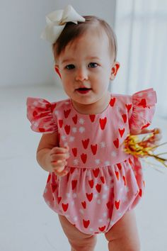 Infant Girls Pink & Red Tulip Hearts Valentine's Day Bubble Romper – cuteheads Valentines day outfit inspo for girls! Vday dress for girls that are fun and festive. Show up to your Valentine's Day party in style! SHOP ALL STYLES NOW>>> Valentines Outfits, Valentine Day Wreaths, Valentine Day Crafts, Valentine Ideas, Baby Girl Valentine Outfit, Valentines Day For Boyfriend, Valentines For Kids, Outfits Plus Size, Valentine Activities