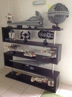 OMG I want so bad, Star Wars Lego Ultimate Collectors Additions display. Lego Star Wars, Lego Regal, Legos, Star Wars Zimmer, Minifigures Lego, Nave Star Wars, Star Wars Bedroom, Lego Room, Lego Storage