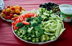 alice brans posted mickey mouse vegetable tray to their -wonderful world of disney- postboard via the Juxtapost bookmarklet. Theme Mickey, Mickey Mouse 1st Birthday, Mickey Mouse Clubhouse Party, Mickey Mouse Parties, Mickey Party, 3rd Birthday, Birthday Ideas, Disney Parties, Disney Theme