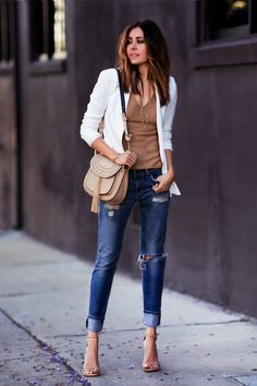 Let's talk about boyfriend jeans! Who doesn't love the comfy fit and relaxed…