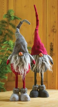*GNOMES ~ Long-Legged Nisse Figures I love these little guys, and that their 'faces' are just a nose!