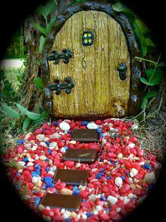 Fairy Door  Tremarin Door with Guard Mouse  by FairybehindtheDoor, $31.50