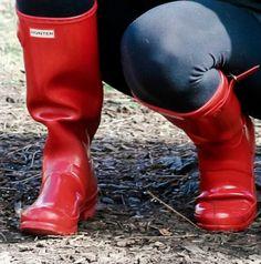 Red Hunter Boots, Wellies Rain Boots, Trousers Women, Rubber Rain Boots, Iphone, Stylish, Girls, Fashion, Boots