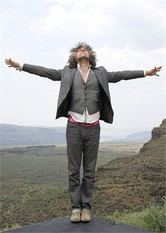 The Flaming Lips, Wayne Coyne, Grey Suits, Future Clothes, Tan Shoes, Indiana, Grunge, Winter Jackets, Vogue