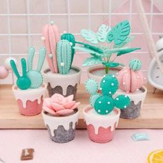Felt succulent plant DIY kit The kit includes everything you need to make the pl. - Felt succulent plant DIY kit The kit includes everything you need to make the pl. Felt Crafts Diy, Felt Diy, Handmade Felt, Fabric Crafts, Suculentas Diy, Felt Succulents, Succulent Plants, Sewing Projects, Diy Projects