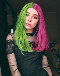 Publicación de Instagram de Маргарита Дегтярева • 12 Mar, 2019 a las 2:41 UTC Scene Girls, Half Dyed Hair, Dress Hairstyles, Scene Hair, Wigs, Hair Cuts, Hair Color, Long Hair Styles, Instagram Posts