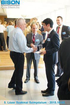 Dr. Molnár Csaba plasztikai sebész találkozása az 5. Lézer Szakmai Szimpózium díszvendégével, a BISON Medical vállalat elnökével.