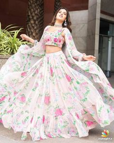 Nidhhi Agerwal Hot HD Photos & Wallpapers - Nidhhi Agerwal is an Indian model, dancer and actress who appears in Bollywood and Telugu films. In she made her acting debut in the film Munna Michael. She was Yamaha Fascino Miss Diva 2014 finalist. Indian Fashion Dresses, Indian Gowns Dresses, Dress Indian Style, Indian Designer Outfits, Designer Dresses, Pakistani Clothing, Abaya Style, Indian Bridal Fashion, Fashion Outfits