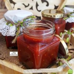 Red Chutney / Easy Tomato Sauce Chutney recipe by Thecooksisterblog Easy Tomato Sauce, Vegetarian Curry, Garlic Paste, Chutney Recipes, Curry Leaves, Food Categories, Mustard Seed, Starters, Pickles
