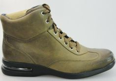 Cole Haan Air Conner, Mens Boots Fashion, Men's Fashion, Sneaker Heads, Hot Shoes, Combat Boots, Prada, Shoe Boots, Gym