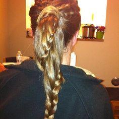 ponytail with braid wrapped around