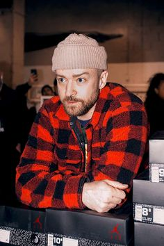 Check out Justin Timberlake @ Iomoio Dope Fashion, Mens Fashion, Casual Outfits, Men Casual, Fashion Deals, Mens Fall, Famous Men, Justin Timberlake, My Boyfriend