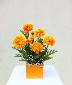 Cúc vạn thọ (150k) Pineapple, Fruit, Flowers, Pinecone, Pine Apple, The Fruit, Floral, Royal Icing Flowers, Florals