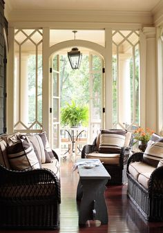 Magnificent architectural design of the doorway on this porch. Absolutely lovely. #Porches