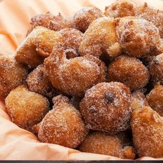 This recipe is for yummy and sweet Croatian donuts. Croatian Donuts Recipe from Grandmothers Kitchen. looks yummy - except the brandy. Just Desserts, Delicious Desserts, Dessert Recipes, Yummy Food, Croatian Recipes, Portuguese Recipes, Portuguese Food, Donut Recipes, Cooking Recipes
