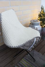 virkattu vauvan peitto Outdoor Chairs, Outdoor Furniture, Outdoor Decor, Stitch Crochet, Butterfly Chair, Beige, Diy, Home Decor, Decoration Home