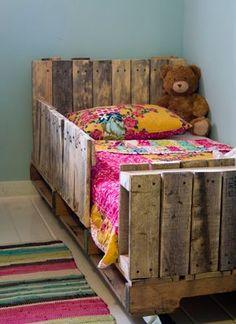 Veja ideias lindas e super criativas para usar pallets na decoração do quarto das crianças