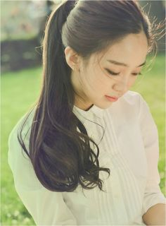 Yoon Eunjoo with her tied up hair.
