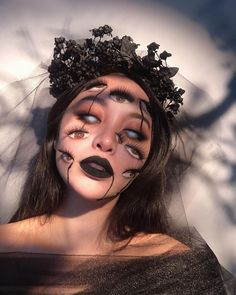 "43.2 k mentions J'aime, 317 commentaires - ℳ 𓂀 (@michellephan) sur Instagram : ""Haunting your dreams, one eye at a time. New video, classic tutorial style on my channel 🕷Happy…"" La Danse Macabre, Halloween Town, Dreaming Of You, Halloween Face Makeup, Cosplay, Photo And Video, Channel, Dreams, Eye"