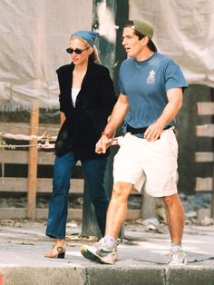 The Calvin Klein publicist, wife of John F Kennedy Jr and style icon predicted every new season trend back in the early – and has proven an enduring muse for fashion designers since. Vogue shortlists seven ways to channel her timeless look this season Carolyn Bessette Kennedy, Les Kennedy, John Kennedy Jr, Jfk Jr, Grunge Fashion, 90s Fashion, Style Année 90, Hair Tuck, Next Fashion