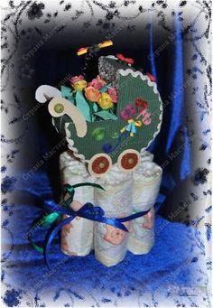 Белый аист длинноногий  Прилетел сегодня в дом  И оставил на пороге  Сверток с крошечным сынком.  Стать он может космонавтом  Или бравым моряком,  В Думе спикером горластым,  Брокером или врачом.  Сам он выберет дорогу,  Счастлив будет и здоров,  И друзей пусть будет много,  Настоящею — любовь. фото 1