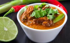 Thajské červene kari Thai Red Curry, Food And Drink, Chicken, Ethnic Recipes, Fitness, Asia, Cubs