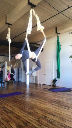 Aerial Yoga Girl fun flow on aerial hammock Aerial Dance, Aerial Gymnastics, Aerial Yoga Hammock, Aerial Acrobatics, Aerial Hoop, Aerial Arts, Hammock Swing, Silk Dancing, Yoga At Home