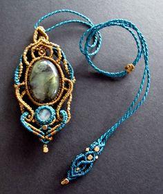 Macrame necklace labradorite macrame pendant por Mediterrasian
