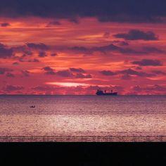 #myhome #napoli_net #napoli_photo #naples #napoli_love #napoliphotoproject #napolipix #napolinstagram #instanapoli #ig_campania #ig_italia #igers_italia #igersnapoli #igerstorredelgreco #italia #instaphoto #ig_napoli #ig_fotoitaliane #igersitalia #italy #campania #sea #mare #napoli #fotoitaliane #torredelgreco #clouds #tramonto #sunset #boat