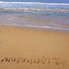 Als dank voor een rt, m'n naam in het zand op Texel #jenaaminhetzand #yournameinthesand Antoinette aub