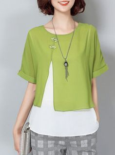 Sewing Blouse Green - Shop Chiffon Fashion Stitching Loose Blouse at EZPOPSY. Diy Fashion, Ideias Fashion, Fashion Dresses, Womens Fashion, Fashion Design, Fashion Online, Street Fashion, Blouse Styles, Blouse Designs