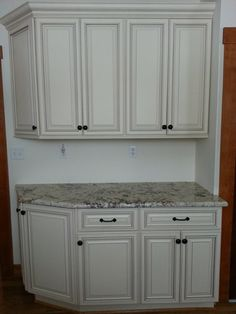 """""""We're very happy with the quality and they are made entirely with plywood and wood I beam construction like they state on the site. I highly recommend adding an extra """"wow"""" factor with crown and bottom molding."""" ~ Connie Tyner    Pearl Kitchen Cabinets"""