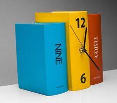 Shop for Present Time Book Table Clock in Color Paper at REVOLVE. Free day shipping and returns, 30 day price match guarantee. Book Clock, Diy Clock, Clock Ideas, Unusual Clocks, Book Table, Wall Clock Design, Telling Time, Christmas Fun, Diy Projects