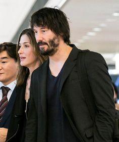 LaineyGossip|Keanu Reeves in Japan with his girlfriend to promote John Wick