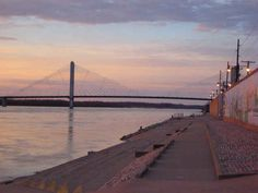 Watch the sunset on the riverfront | 15 Bucket List Items For Southeast Missouri State University Students
